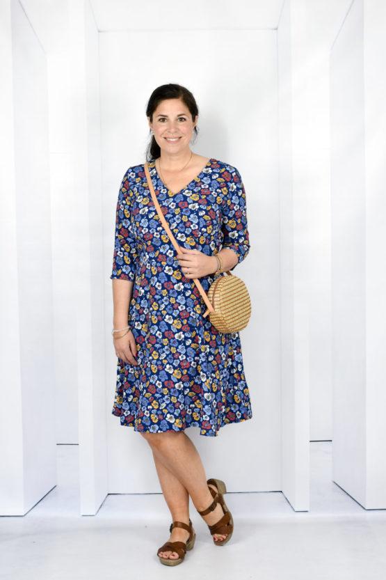 Blumen Viskose EMMY blau aus Sew & More Kollektion, Designbeispiel von Lillesol & Pelle - Julia Korff