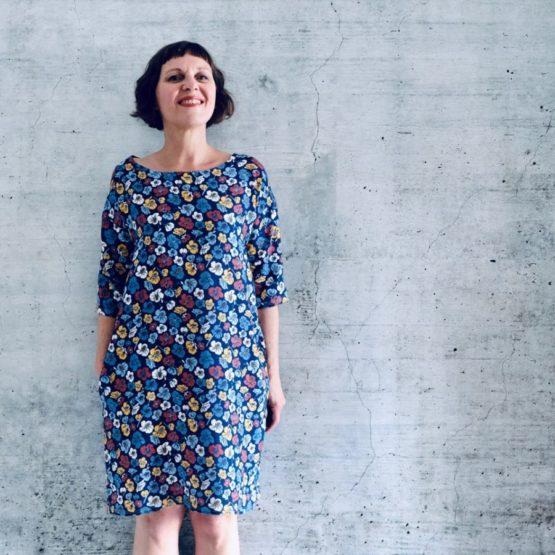 Blumen Viskose EMMY blau aus Sew & More Kollektion, Designbeispiel von Rosa P. - Rike Pachollek